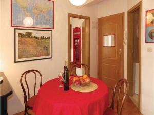 Three-Bedroom Holiday home in Split, Dovolenkové domy  Split - big - 20