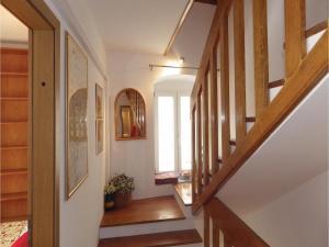 Three-Bedroom Holiday home in Split, Dovolenkové domy  Split - big - 17