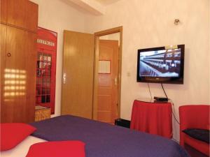 Three-Bedroom Holiday home in Split, Dovolenkové domy  Split - big - 14