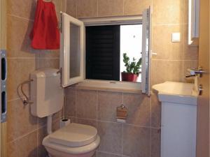 Three-Bedroom Holiday home in Split, Dovolenkové domy  Split - big - 7