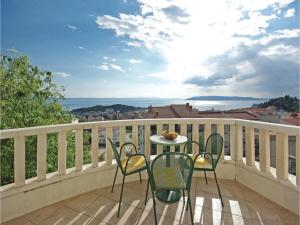 Apartment Makarska with Sea View 12
