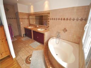 Holiday home Bd. Florentin Brigaud, Case vacanze  Sainte-Maxime - big - 7