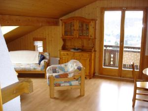Chalet Sunneschyn, Apartments  Schwanden - big - 6