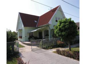 Rákóczi Utca-Balatonszemes, Apartments  Balatonszemes - big - 7