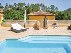 Three-Bedroom Holiday Home in Meounes Les Montrieux, Holiday homes  Méounes-lès-Montrieux - big - 6