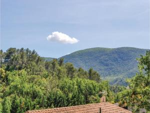 Three-Bedroom Holiday Home in Meounes Les Montrieux, Case vacanze  Méounes-lès-Montrieux - big - 15