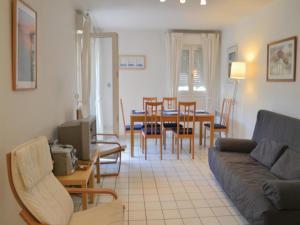 Apartment Frejus Avenue Andre Leotard, Apartmanok  Fréjus - big - 8