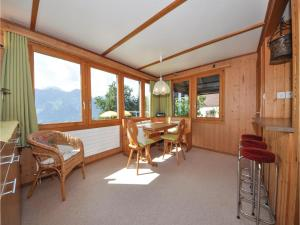 Chalet Haselmuus, Holiday homes  Beatenberg - big - 14