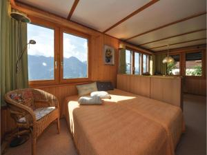 Chalet Haselmuus, Holiday homes  Beatenberg - big - 2