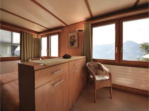 Chalet Haselmuus, Holiday homes  Beatenberg - big - 9