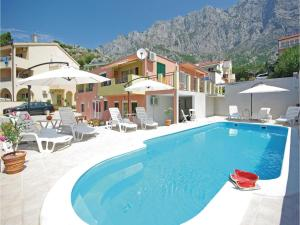 Apartment Makarska with Sea View XII, Апартаменты  Макарска - big - 1