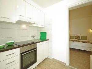 Apartment Makarska with Sea View XII, Апартаменты  Макарска - big - 14