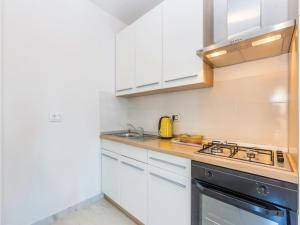 One-Bedroom Apartment in Sveti Juraj, Ferienwohnungen  Sveti Juraj - big - 20