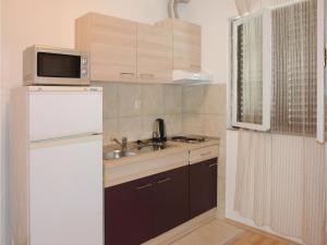Apartment Kastel Novi III, Apartments  Kaštela - big - 12