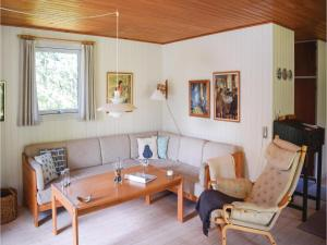Three-Bedroom Holiday Home in Ebeltoft, Case vacanze  Ebeltoft - big - 13
