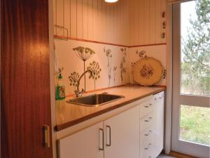 Three-Bedroom Holiday Home in Ebeltoft, Дома для отпуска  Эбельтофт - big - 15