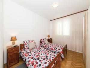 Three-Bedroom Apartment in Kastel Novi, Apartmanok  Kaštela - big - 15