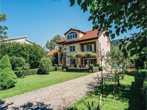 Five-Bedroom Holiday Home in Prolozac Donji, Holiday homes  Donji Proložac - big - 5