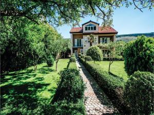 Five-Bedroom Holiday Home in Prolozac Donji, Holiday homes  Donji Proložac - big - 6