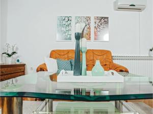 Five-Bedroom Holiday Home in Prolozac Donji, Holiday homes  Donji Proložac - big - 3