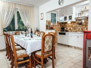 Five-Bedroom Holiday Home in Prolozac Donji, Holiday homes  Donji Proložac - big - 32