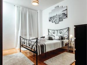 Five-Bedroom Holiday Home in Prolozac Donji, Holiday homes  Donji Proložac - big - 20