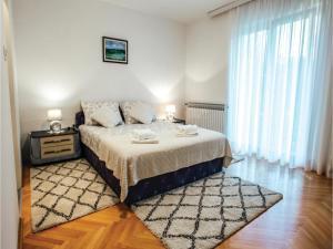 Five-Bedroom Holiday Home in Prolozac Donji, Holiday homes  Donji Proložac - big - 18