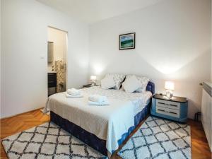 Five-Bedroom Holiday Home in Prolozac Donji, Dovolenkové domy  Donji Proložac - big - 19