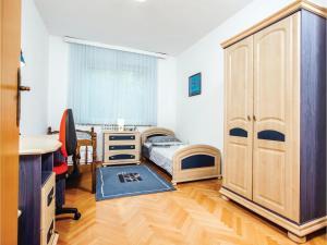 Five-Bedroom Holiday Home in Prolozac Donji, Holiday homes  Donji Proložac - big - 16