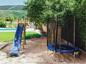 Five-Bedroom Holiday Home in Prolozac Donji, Holiday homes  Donji Proložac - big - 12