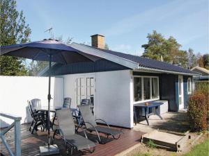 Holiday home Pelargonievej, Dovolenkové domy  Bøtø By - big - 1