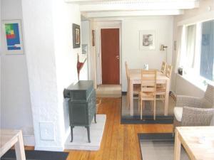 Holiday home Pelargonievej, Case vacanze  Bøtø By - big - 9