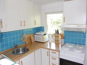 Holiday home Pelargonievej, Дома для отпуска  Bøtø By - big - 12