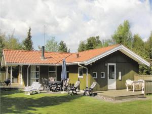Holiday home Snebollevej Væggerløse IV, Holiday homes  Bøtø By - big - 1