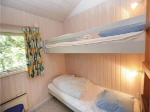 Holiday home Snebollevej Væggerløse IV, Holiday homes  Bøtø By - big - 8