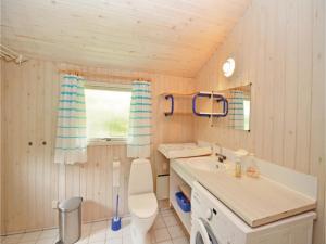 Holiday home Snebollevej Væggerløse IV, Holiday homes  Bøtø By - big - 6