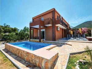 Six-Bedroom Holiday Home in Kastel Novi, Case vacanze  Kastel Novi - big - 6