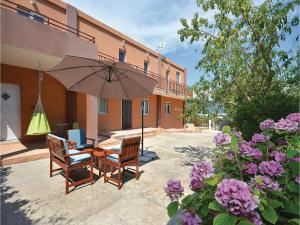 Six-Bedroom Holiday Home in Kastel Novi, Case vacanze  Kastel Novi - big - 39