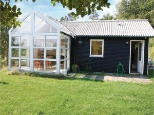 Three-Bedroom Holiday Home in Ebeltoft, Holiday homes  Ebeltoft - big - 8