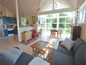Three-Bedroom Holiday Home in Ebeltoft, Holiday homes  Ebeltoft - big - 5