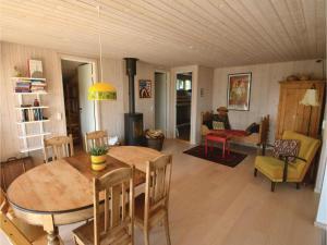 Three-Bedroom Holiday Home in Ebeltoft, Case vacanze  Ebeltoft - big - 12