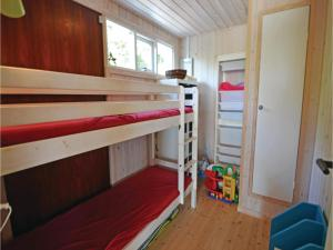 Three-Bedroom Holiday Home in Ebeltoft, Holiday homes  Ebeltoft - big - 11