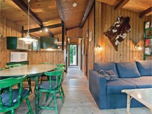 Holiday Home Stege with Fireplace 10, Dovolenkové domy  Pollerup Kullegård - big - 3
