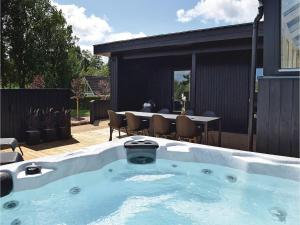 Four-Bedroom Holiday Home in Juelsminde, Nyaralók  Sønderby - big - 29