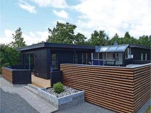 Four-Bedroom Holiday Home in Juelsminde, Nyaralók  Sønderby - big - 2