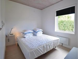 Four-Bedroom Holiday Home in Juelsminde, Nyaralók  Sønderby - big - 12