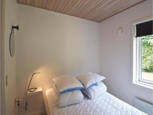 Four-Bedroom Holiday Home in Juelsminde, Nyaralók  Sønderby - big - 11