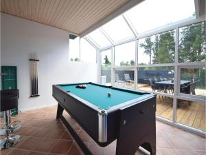 Four-Bedroom Holiday Home in Juelsminde, Case vacanze  Sønderby - big - 8