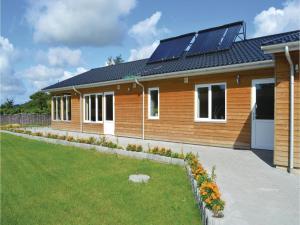 Three-Bedroom Holiday Home in Juelsminde, Prázdninové domy  Sønderby - big - 11
