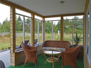 Three-Bedroom Holiday Home in Juelsminde, Дома для отпуска  Sønderby - big - 14